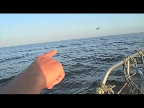Ovni Perseguido En El Mar Por Cazas Del Ejercito