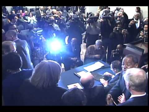Mayor Gray Signs DC Minimum-Wage Increase Into Law, 1/15/14