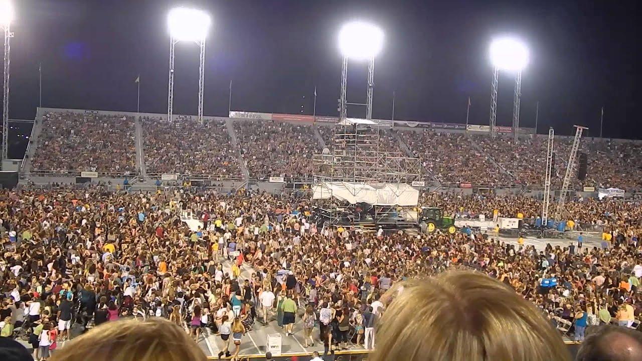Bruno Mars intermission the wave Hersheypark Stadium July 12 2014