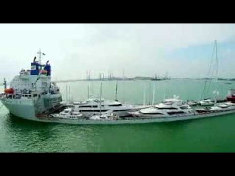 YACHT EXPRESS - LOADING/UNLOADING YACHTS IN BATAM WATERS - INDONESIA