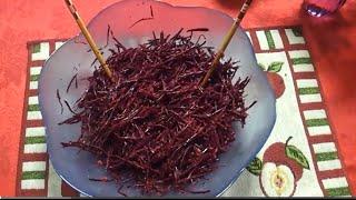 Рецепт: Салат из сырой свеклы с грецкими орехами