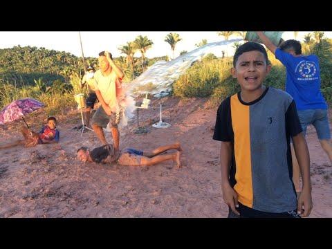 FUNDO DE QUINTAL OFC - ONDA ONDA / TCHAKABUM (Vídeo Oficial)