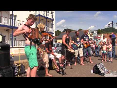 Brilliant street buskers at Sidmouth, Gangman style (Blackbeards Tea Party)
