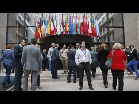 EU acts to cap bankers' bonuses