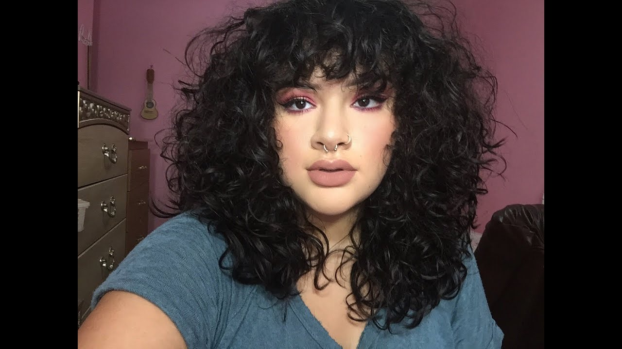 2019 year for lady- Fringe Curly hairstyle
