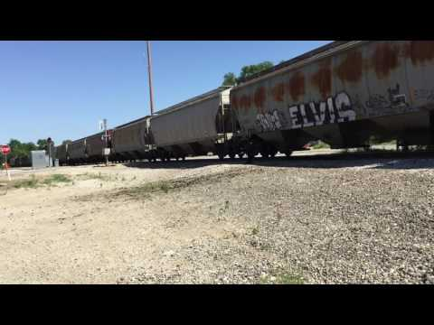 Iowa Interstate NSPEDM train in Bureau, IL w/ 2 SD60 widecabs 06/05/17