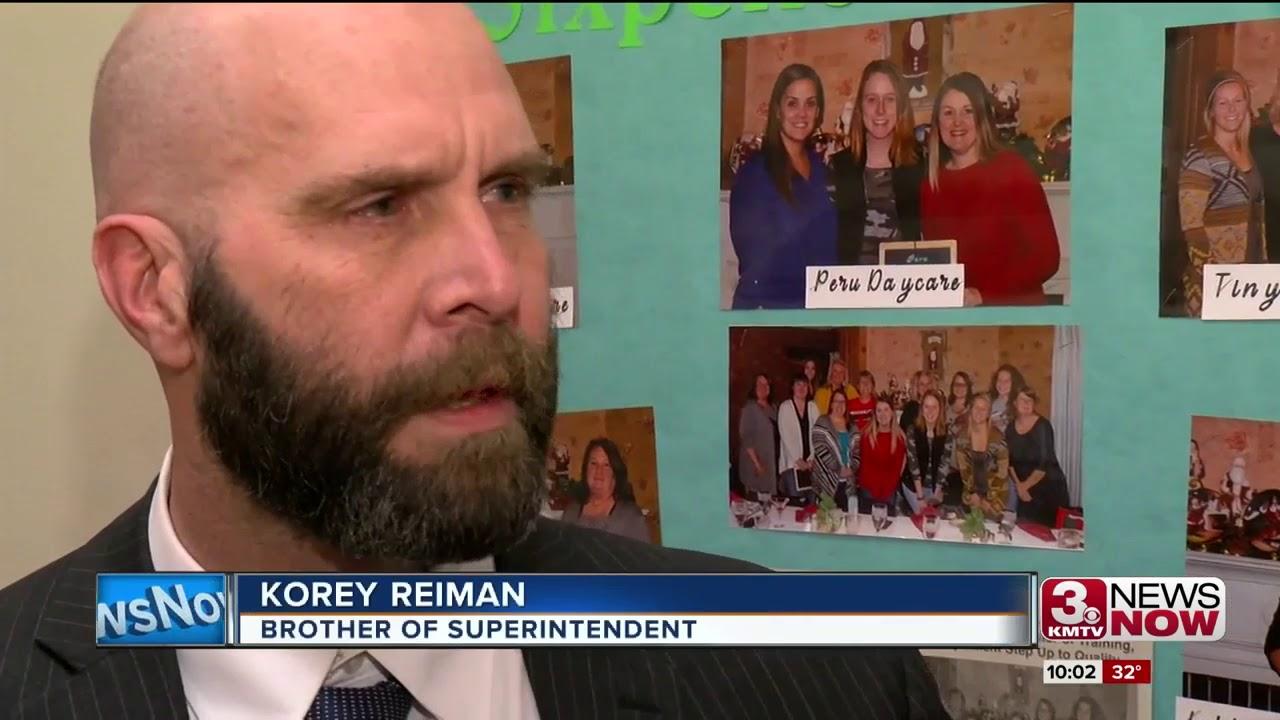 Superintendent's fate splits community surrounding Auburn school district