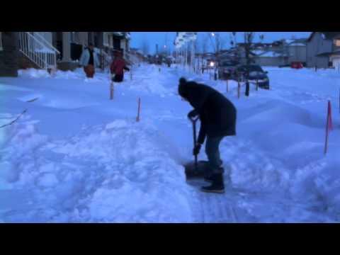 Ahsen & Maira in Regina SK Winter -28 C P1
