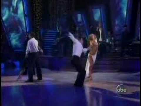Enrique Iglesias Hero live Dancing with the Stars