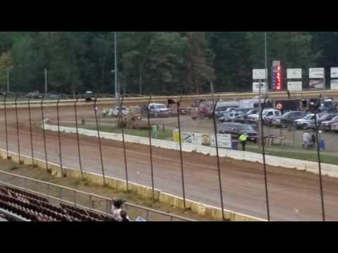 305 Racesaver Sprint Car Heat Race Bedford Speedway 9-18-16