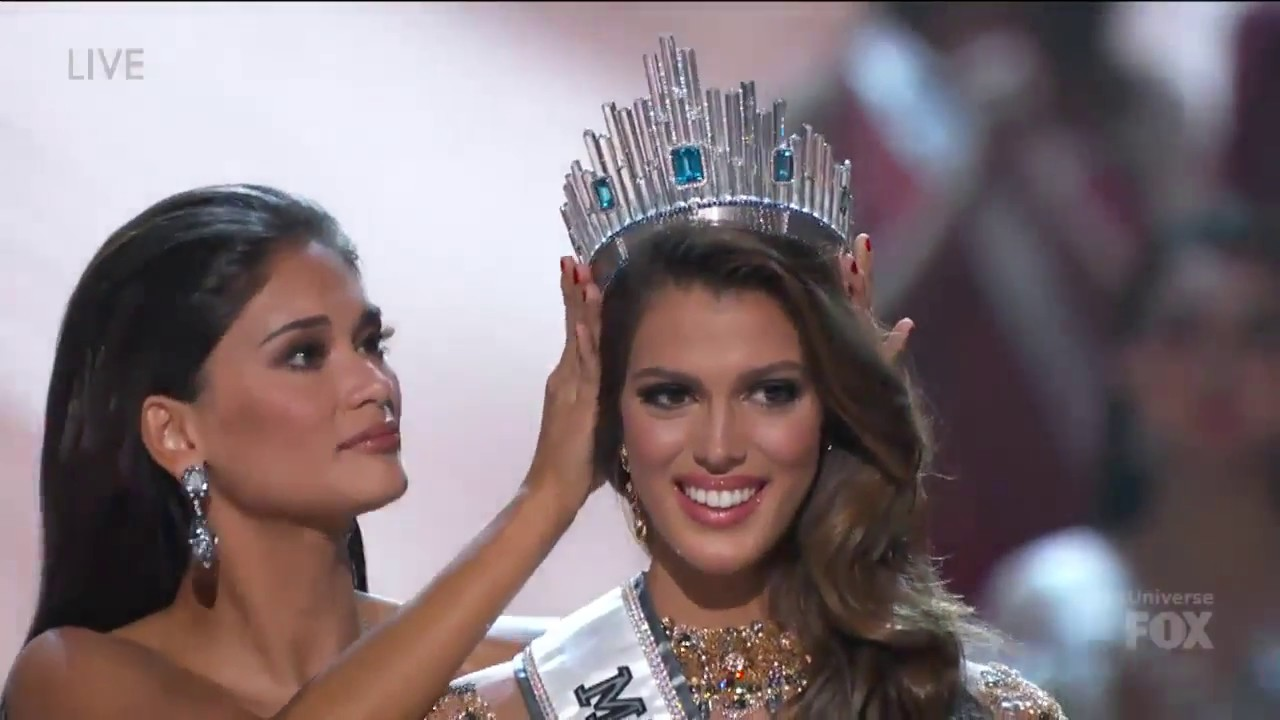 the crowning of miss universe iris mittenaere miss. Black Bedroom Furniture Sets. Home Design Ideas
