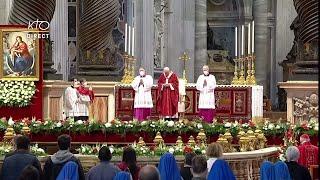 Messe De La Pentecôte Par Le Pape à Rome