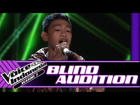 Rizal - Sahabat Jadi Cinta | Blind Auditions | The Voice Kids Indonesia Season 3 GTV 2018