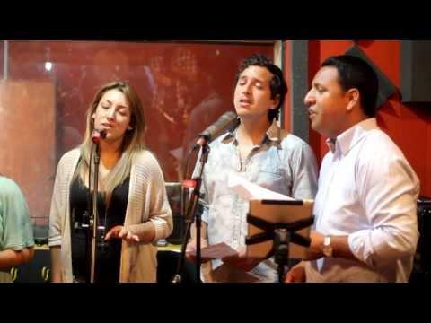 """""""TOMA MI MANO"""" Canto para Bodas - Coro Cantaré"""