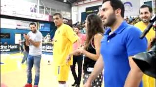 فيديو: لاعب كرة سلة لبناني بعد أن أرعب حبيبته طلب يدها للزواج..