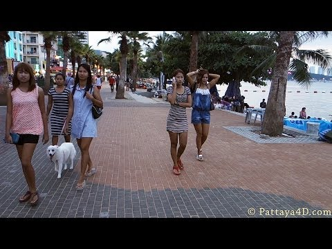 Pattaya Beach Road October 2013 late Afternoon many Freelancer Hooker พัทยา 芭堤雅 Паттайя पटाया