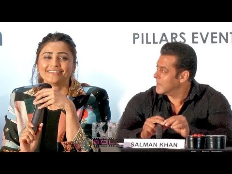 Daisy Shah Speaking Fluent Marathi In Front Of Salman Khan| The Dabangg Tour Event
