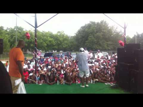 Young Dro - Freeze Me (Albany, GA Live Performance)
