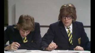 Morecambe & Wise - Top Of The Form