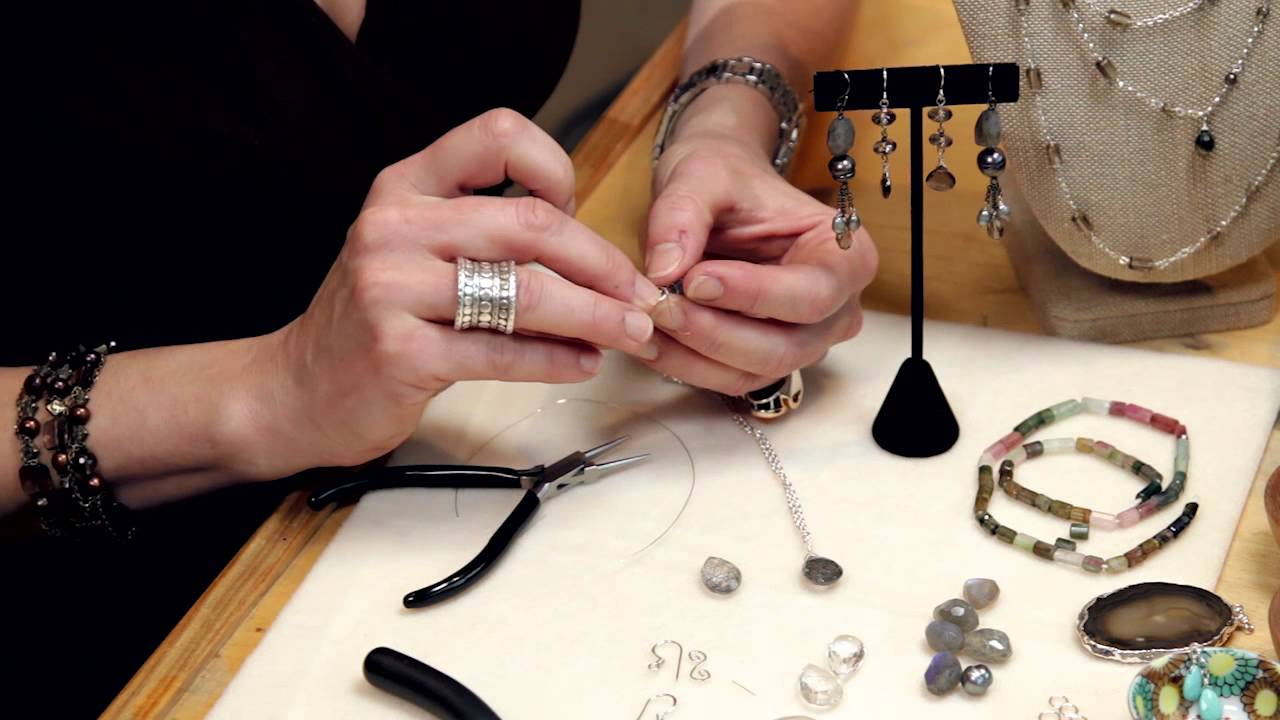 How to Make Your Own Wire Wrap Earrings : Introduction to ...