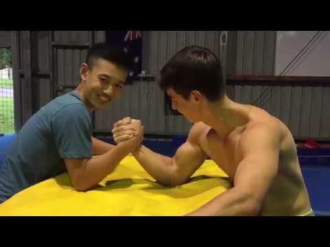 Skinny Kid Beats Body Builder in an Arm Wrestle?!