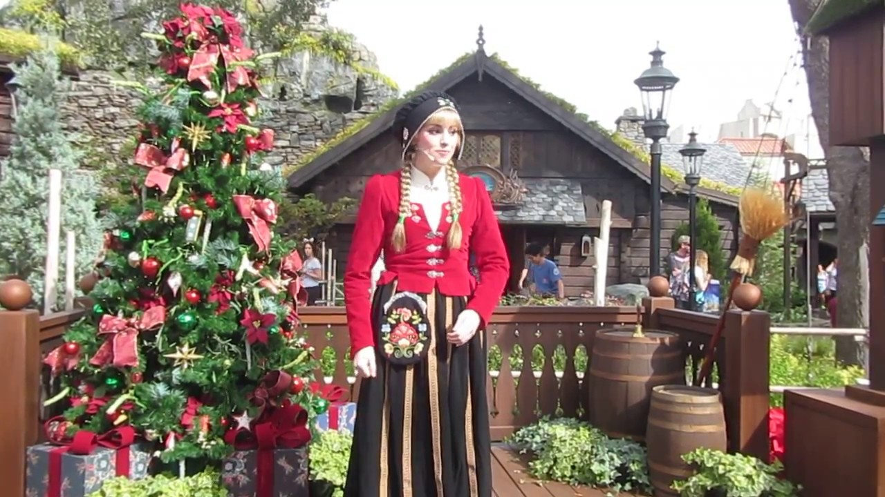 Epcot - Christmas Traditions in Norway - YouTube