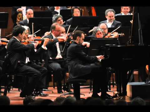 Evgeni Bozhanov plays Chopin Piano Concerto no. 2 - live