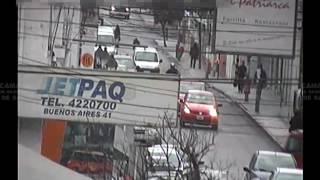 Video: En pleno centro detienen a joven que robó en una casa