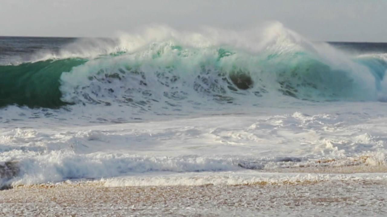 Nice Waves Down From Log Cabins   North Shore Hawaii