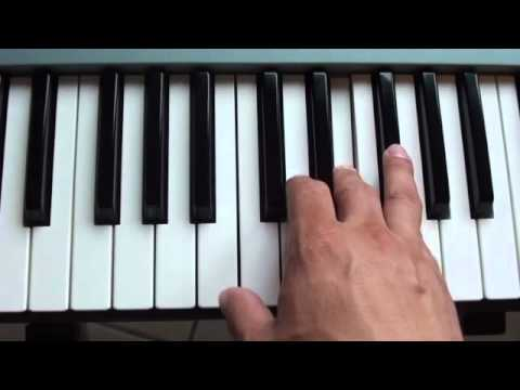 How to play Diamonds by Rihanna on piano - Diamonds Piano Tutorial