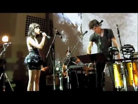 Somebody That I Used To Know, Live - Gotye and Kimbra (April 2, Michigan)