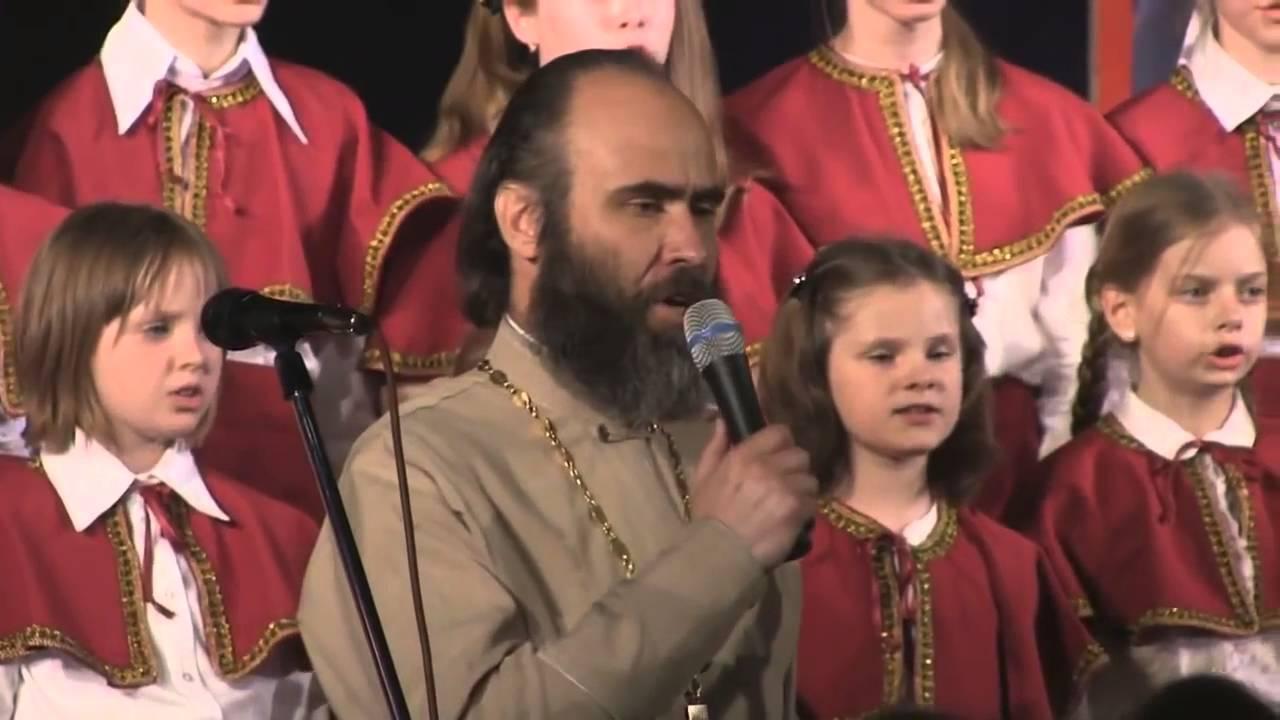 день победы -  поёт священник и детский хор