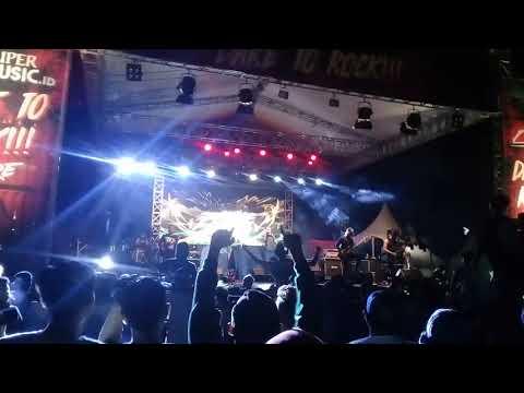 Revenge The Fate - SYMPHONY MENUJU AKHIR (Live ar Dare to Rock Lapangan Kompas)