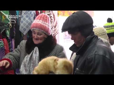 'Shelf Of Kindness' Helps The Needy In Remote Russian Cities