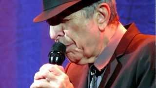 Leonard Cohen sings La Manic. Centre Bell, Montreal, Canada. 29th Nov. 2012.MOV