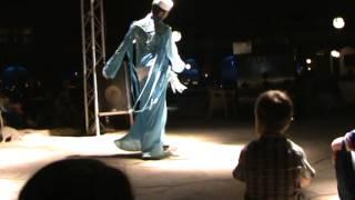 Танец живота в исполнении араба