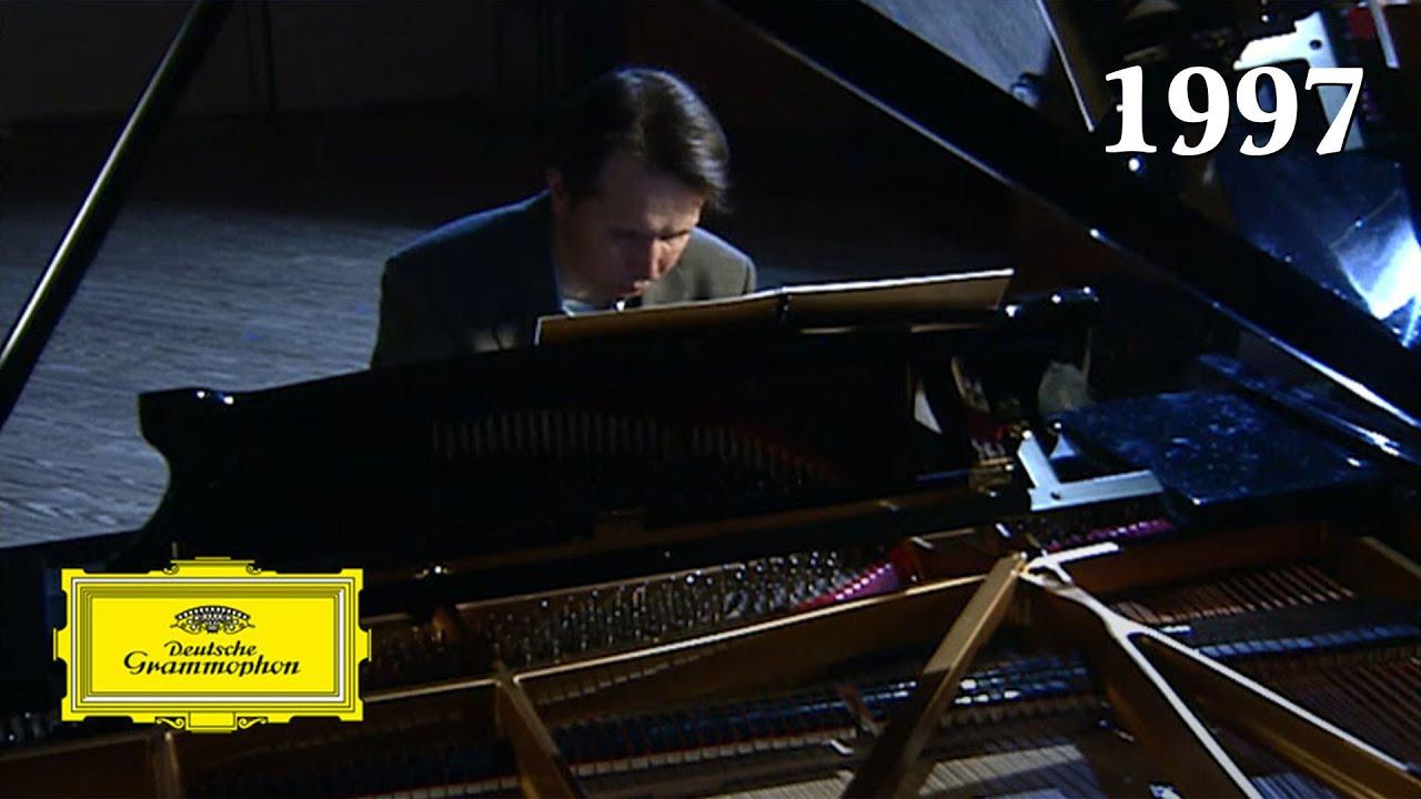 Mikhail Pletnev – Chopin: 12 Études Op. 25 No. 7 In C Sharp Minor Cello