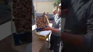 شاهد.. تاجر يبيع صندوق تمر 12 كلغ بـ 600دج فقط في سيدي بلعباس  !!