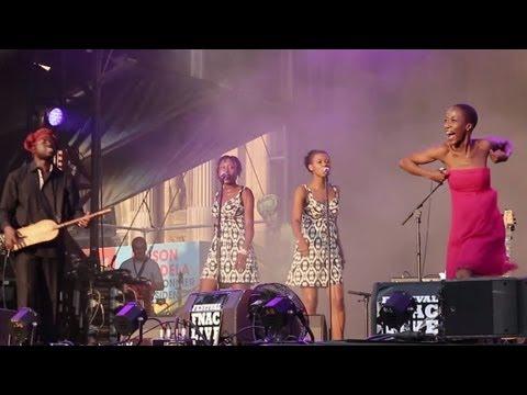 "Rokia TRAORÉ - ""Tuit Tuit"" - Chant Et Danse Du Mali (Beautiful Africa)"