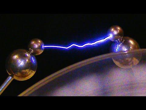 Wimshurst Machine - In 4K Slow Motion ( Visual Static Electricity Generator Machine )