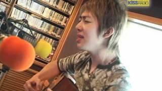 回顧2004年 艾成自彈自唱專輯中的歌曲-愛是如此不容易