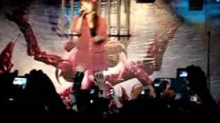 """Savage Genius en México, cantando """"Forever..."""" ( opening de la seri..."""