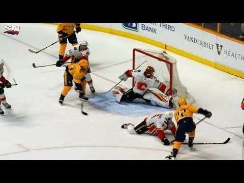 Flames' Rittich makes game-saving glove save on Predators' Fiala