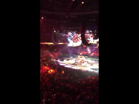 Garth in Ottawa - Ain't going down til the sun comes up