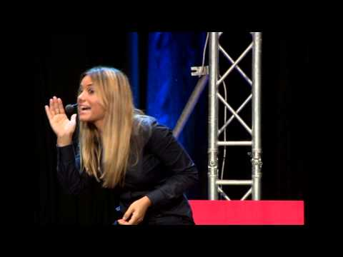 Bombs, mountains and an unlikely female voice | Dashni Morad | TEDxErbil