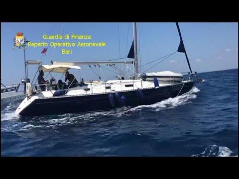 Lecce, migranti sullo yacht: arrestati due scafisti