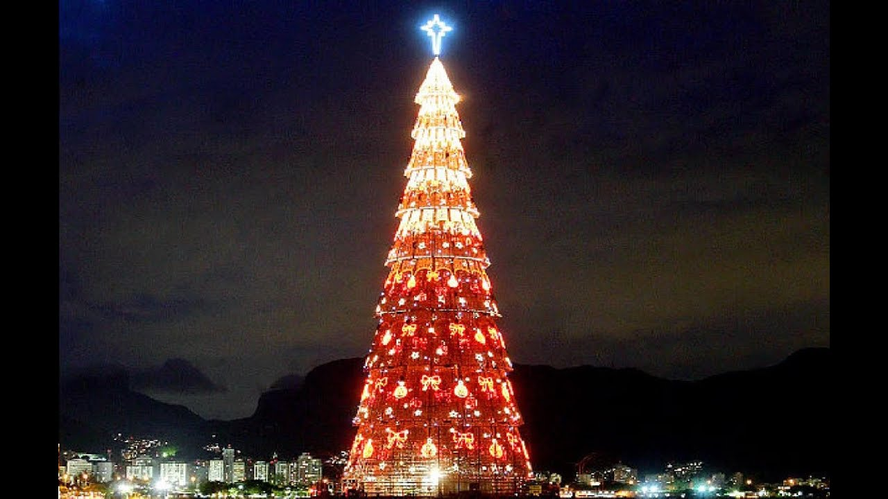 Top 10 Tallest and Biggest Christmas Trees in The World - YouTube