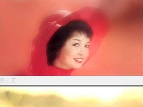 小路上 by  张小英 Zhang Xiao Ying