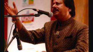 Ek Taraf Uska Ghar Ghazal a loving tribute to Pankaj Udhas sung by Siraj.wmv