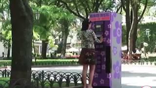 Video Prank Jail Banget ! Celana Wanita Di Perosotin